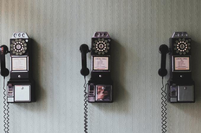 Om en stille pige fra provinsen der ufrivilligt fik succes som telefonsælger